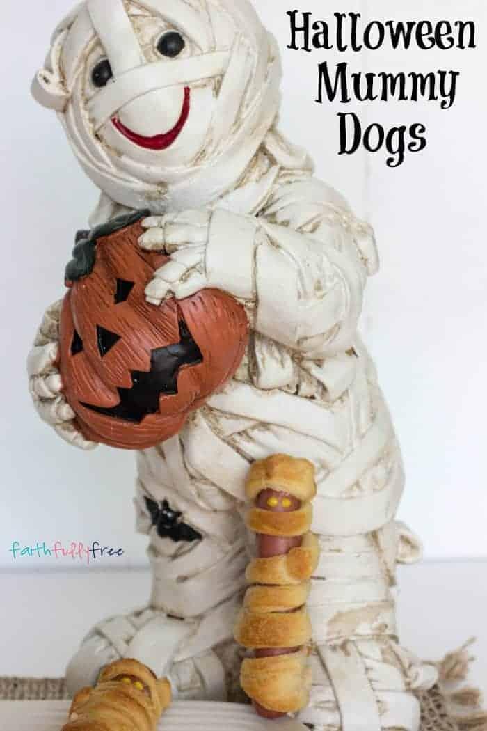 Pillsbury Halloween Mummy Dogs