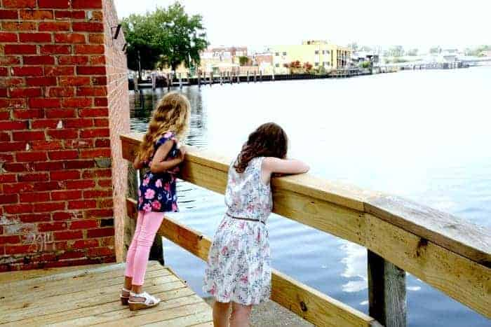 Elizabeth-City-NC-Waterfront-Fun